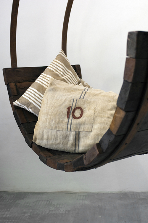 dondolo in ferro e legno di botte