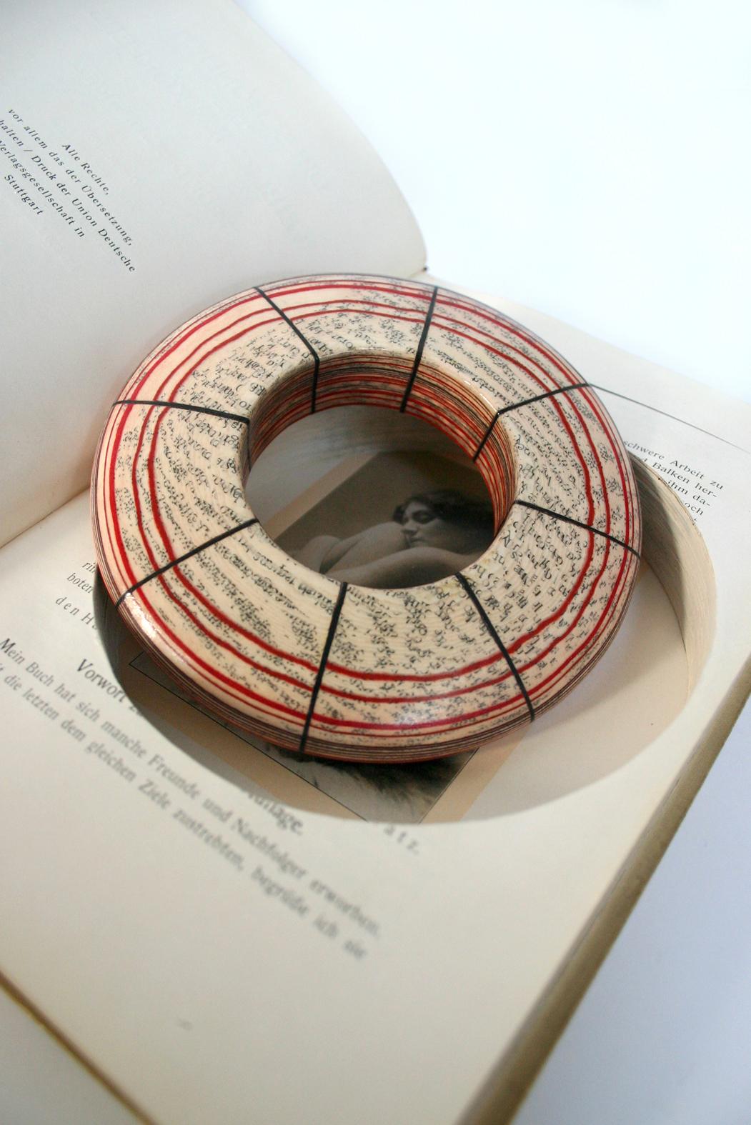 045-book-w