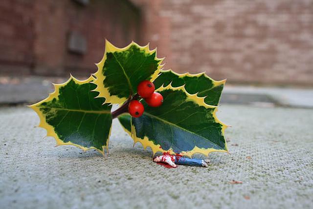 Slinkachu crappy christmas